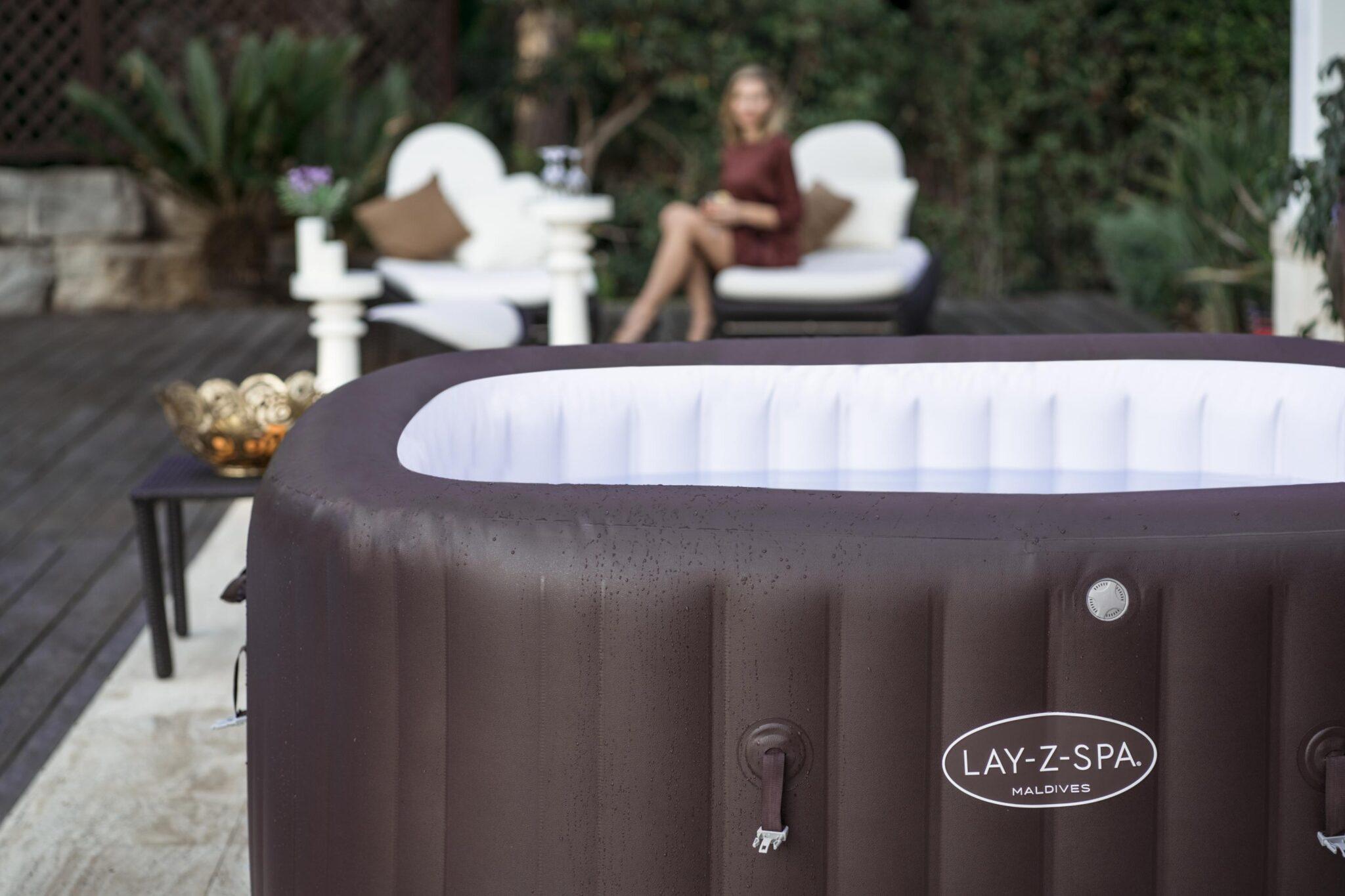 Quelle ambiance créer avec votre Lay-Z-Spa dans un jardin d'hiver